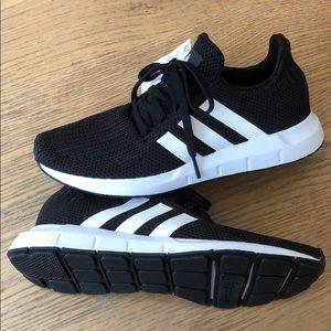 Adidas Womens Swift Run Sneakers Black Sz 8
